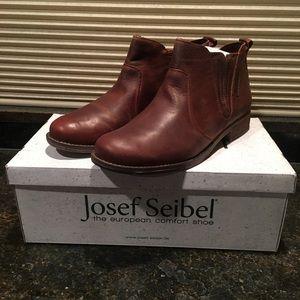 🎁🛍 Women's Joseph Seibel Sienna 45 Ankle Bootie
